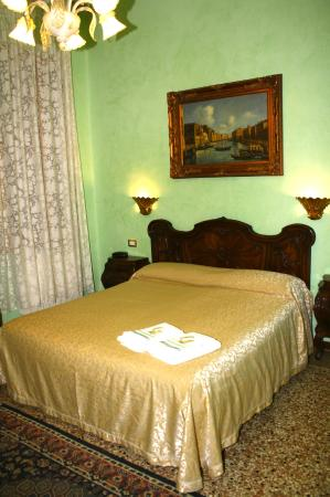bed and breakfast venezia venice italy b b reviews photos price comparison tripadvisor. Black Bedroom Furniture Sets. Home Design Ideas