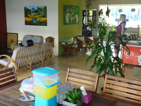 Akinabalu Youth Hostel: Pleasant common area