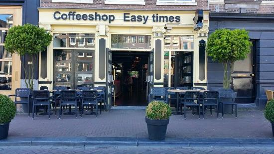 ‪Easy Times Coffeeshop‬
