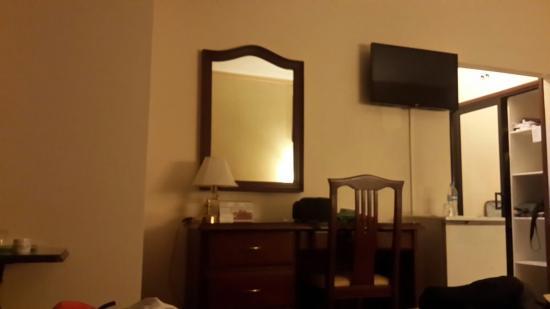 Continental Park Hotel: Esta bien, modesto barato... no de 4 ☆