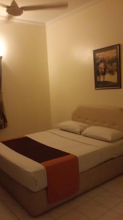Country Heights Resort: Queen bed