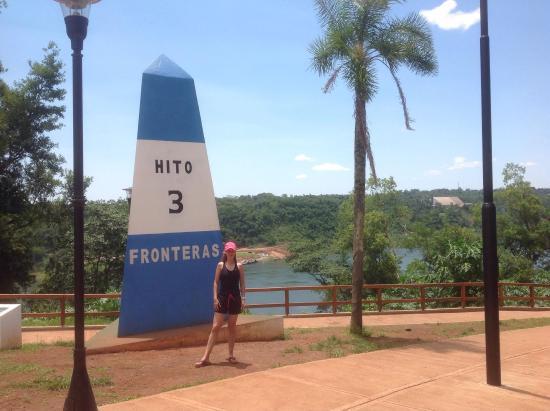 Hito de Las Tres Fronteras Argentina: Bello