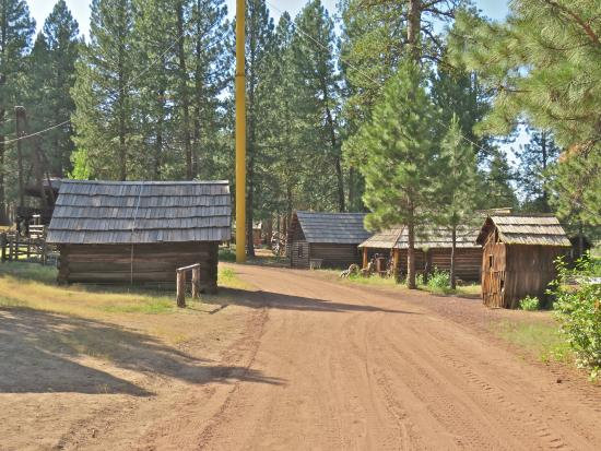 Chiloquin, OR: View of the logging town