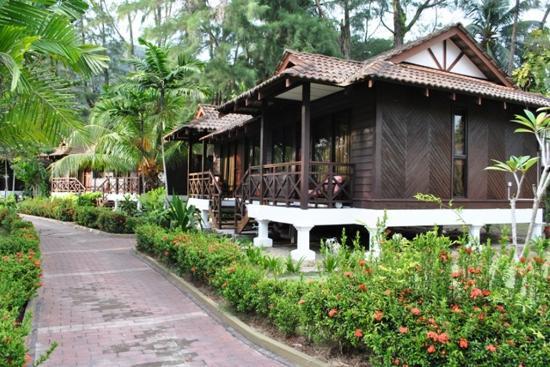Puteri Bayu Beach Resort: Garden Villa Chalet