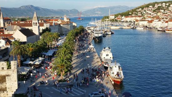 Trogir vista porto foto di sito storico di trogir for Sito storico