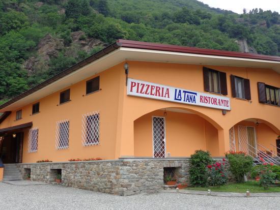 Tavagnasco, Italia: La facciata esterna del locale