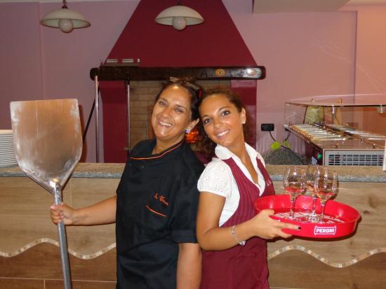 Tavagnasco, Italia: gestione familiare: mamma e figlia