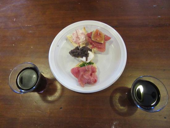 Food and Ghost Tour by Monica Cesarato: Monica Cesarato Cicchetti Tour Samples - Venice