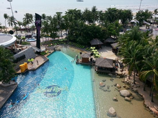 Swimming Pool - Picture of Hard Rock Hotel Pattaya, Pattaya ...