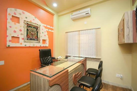 Hotel Padmini Palace: Front Office