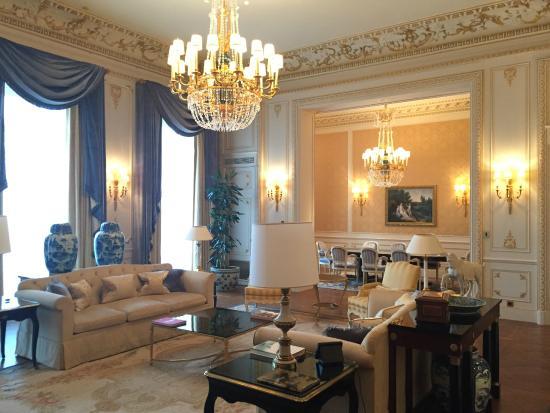 Salon de la suite 3 et salle manger picture of shangri la hotel paris paris tripadvisor - La salle a manger paris ...