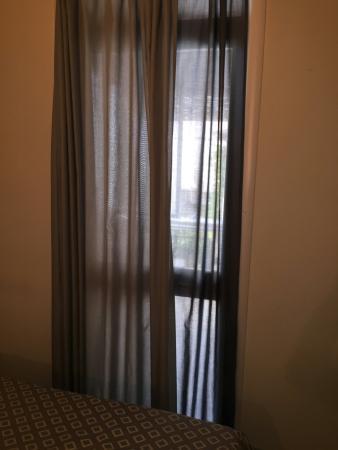 Hotel Sauro: La porta finestra nella avvolgibile o tapparelle