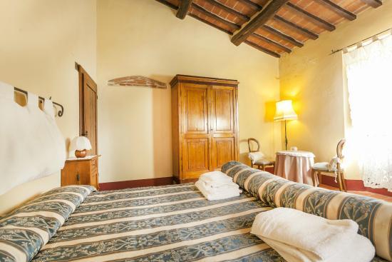 Azienda Fontelunga: bedroom