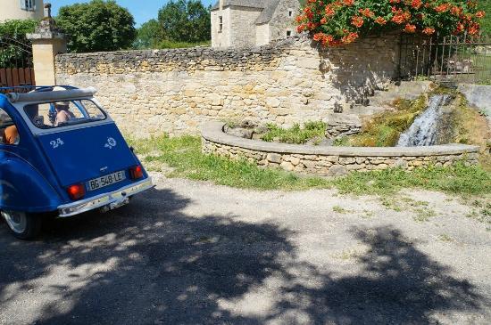 Marnac, فرنسا: Source de St Vincent de Cosse