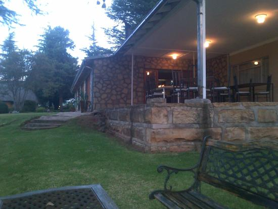 Ramabanta Trading Post Lodge: As night sets in