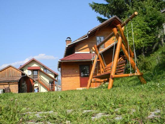 Toplita, Romênia: outdoor swing