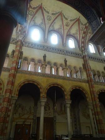 Duomo di pieve di soligo picture of parrocchia del duomo for Spazio bagno pieve di soligo