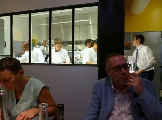 The busy kitchen picture of ze kitchen galerie paris for Ze kitchen galerie paris france