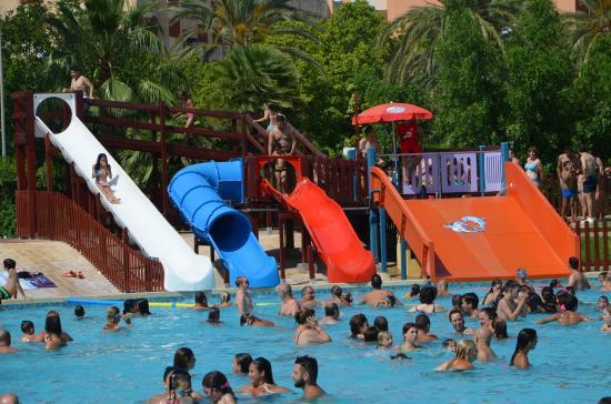 Toboganes fotograf a de piscina parque de benicalap for Piscina parque benicalap