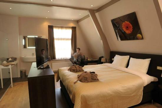 brasss hotel suites bewertungen fotos preisvergleich haarlem niederlande. Black Bedroom Furniture Sets. Home Design Ideas