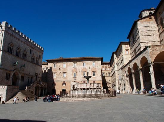 Picture of piazza iv novembre perugia tripadvisor for Arredare milano piazza iv novembre