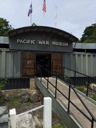 Guam Pacific War Museum: 正門