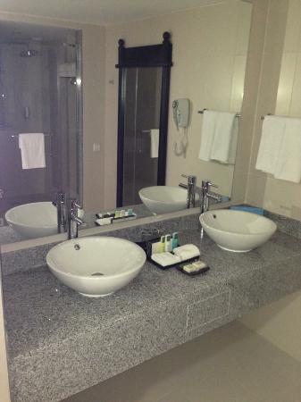 Hotel Riu Palace Aruba Renovated Room