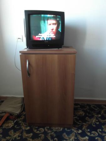 Club Hotel Pineta: Small Tv with very few channels.Mini Bar(Fridge) had nothing in it