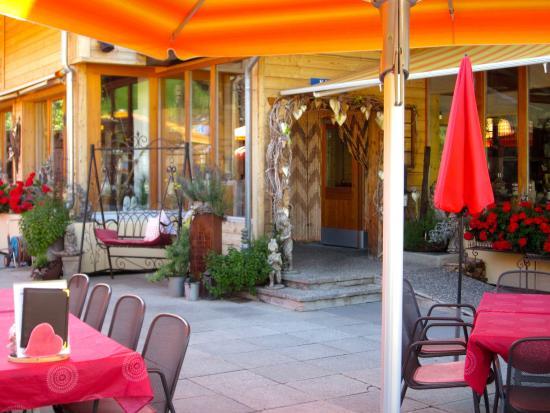 Hotel-Restaurant Ronalp: Gemütliche Terrasse