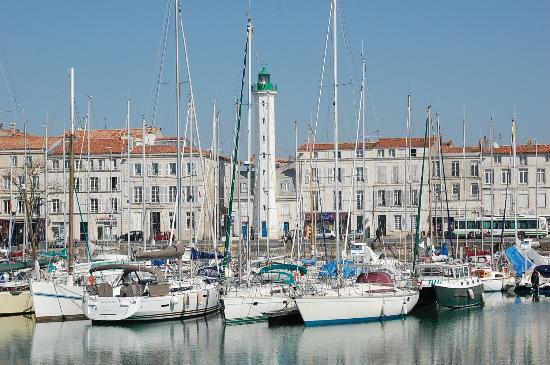Phare du quai valin photo de vieux port la rochelle tripadvisor - Restaurant vieux port la rochelle ...