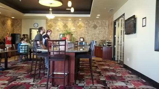 La Quinta Inn & Suites Denver Gateway Park: stanza per colazione