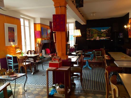 Le Maquis, Art-Broc-Café