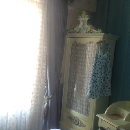 Amisos Hotel: Room