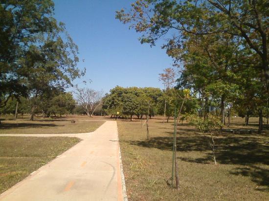 Parque Bosque dos Constituintes