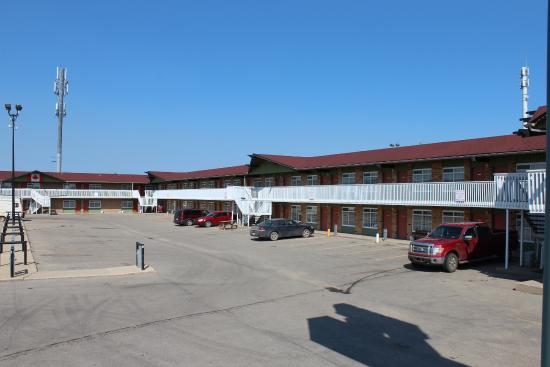 Silver Crest Lodge: Parking Lot 2