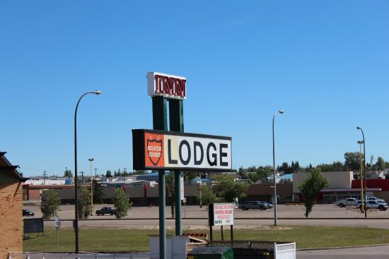 Silver Crest Lodge: Hotel Enterance