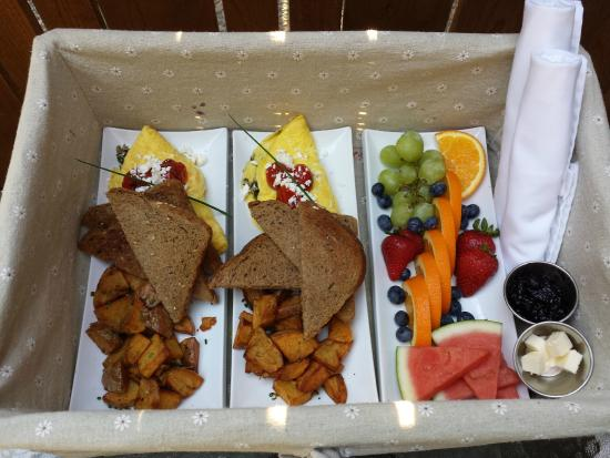 Benvenuto Bed & Breakfast: Benvenuto B&B - Amazing Breakfast Day 2
