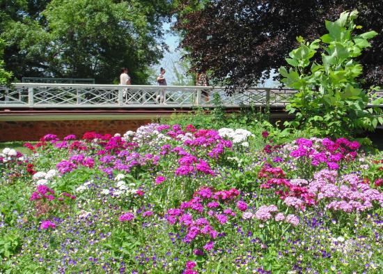 Merveilleux Thomas Jeffersonu0027s Monticello: Flower Gardens At The Main House