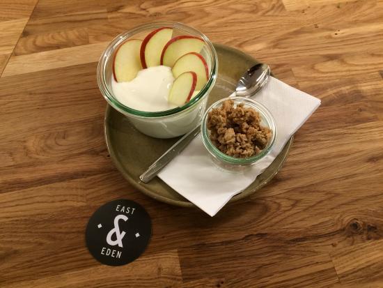latte art picture of east eden berlin tripadvisor. Black Bedroom Furniture Sets. Home Design Ideas