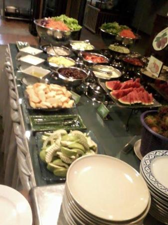 Aspira Grand Regency Sukhumvit 22: organic salads