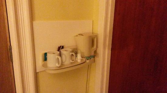 Garve Country Hotel: Tea & coffee making facilities