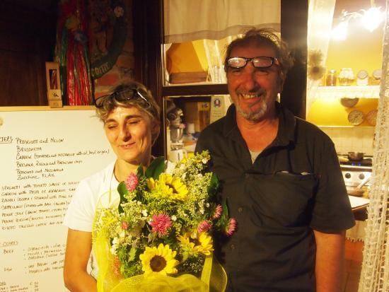 Villa La Fagianaia : Our wonderful hosts - and and a glimpse of the menu