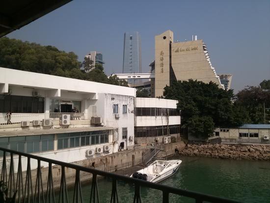 Nan Hai Hotel : フェリーターミナルからホテル