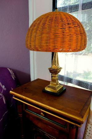 Lámparas de mimbre y decoración mexicana artesanal. - Picture of ...