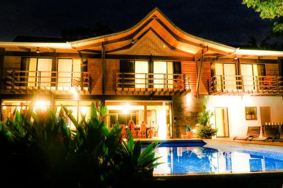 Kalon Surf - Surf Coaching Resort: Kalon Surf Luxury Resort Costa Rica by Night
