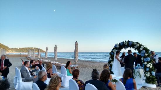 Matrimonio Sulla Spiaggia Gaeta : Photo g foto di aeneas landing gaeta tripadvisor
