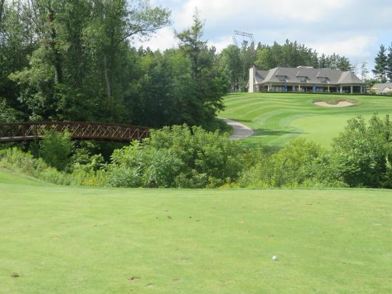Otterville, Canada: 18th fairway and Clubhouse