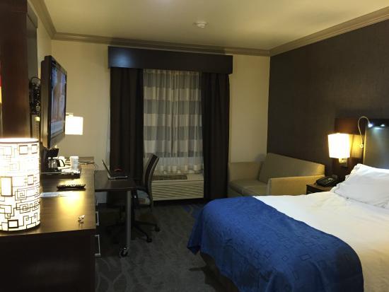Holiday Inn Express Hotel & Suites - Santa Clara: Bedroom