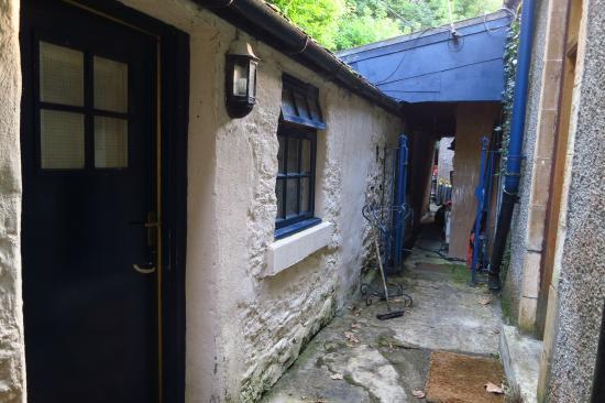Cairnbaan, UK: Entrada habitación 12