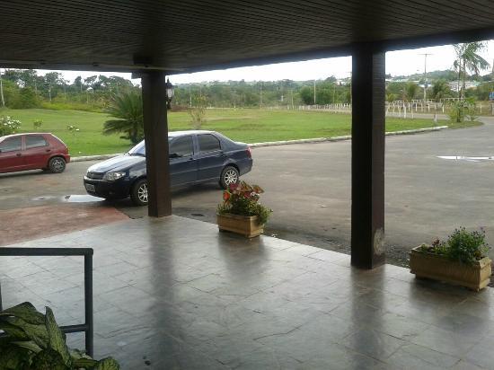 Hotel Cachoeira Do Urubui : Estacionamento